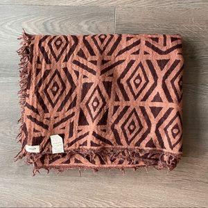 Aritzia Wilfred Aztec Diamond Blanket Scarf